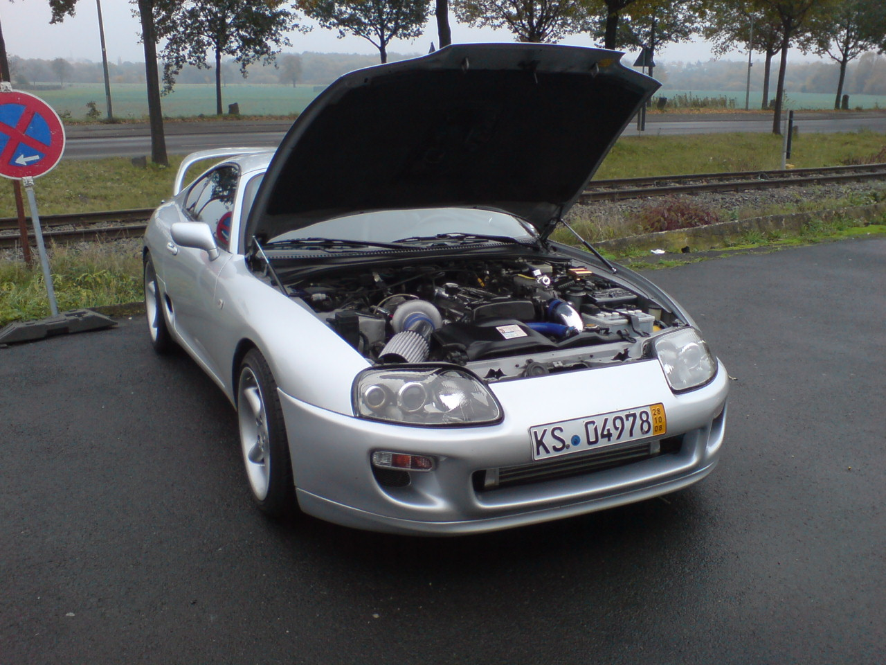 http://www.coupe-parts.de/Milad.supra.01.JPG