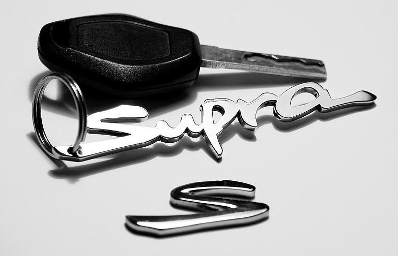http://www.coupe-parts.de/Supra.logos.fertig.bilder.jpg