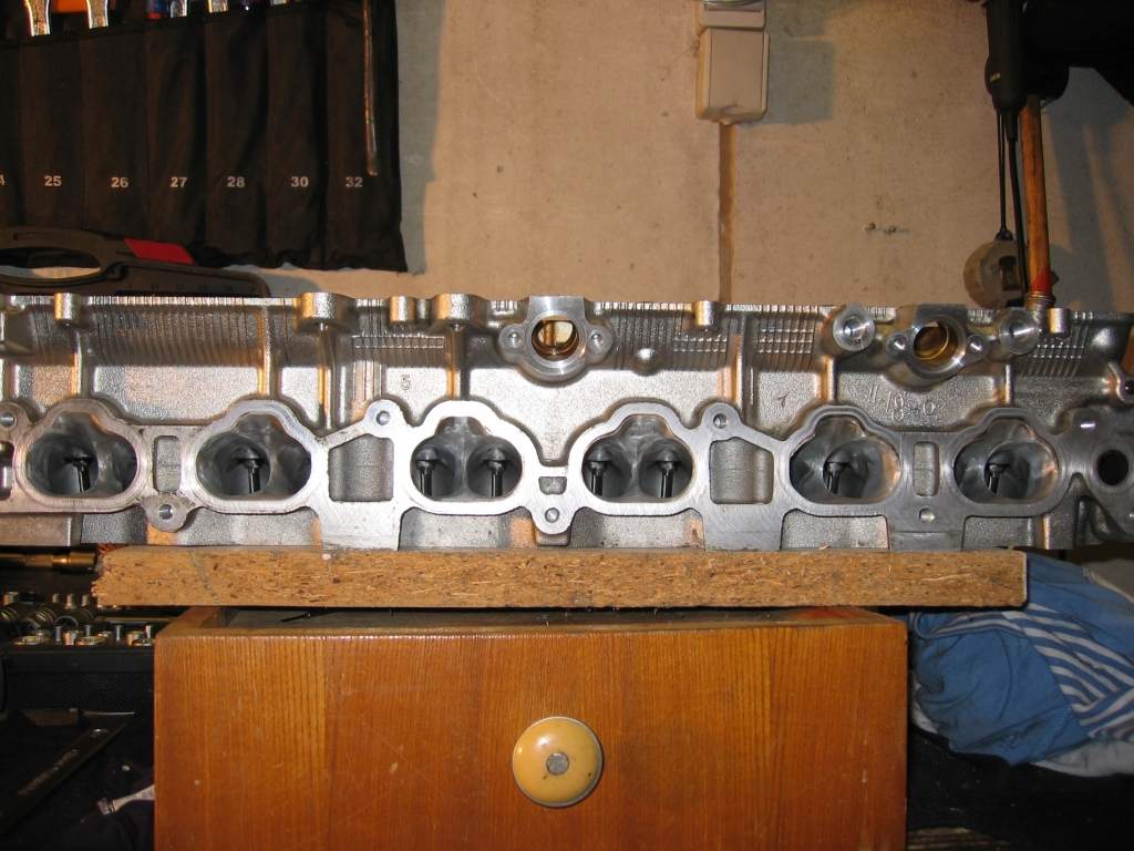 http://www.coupe-parts.de/Ventil.Sitze.05.jpg